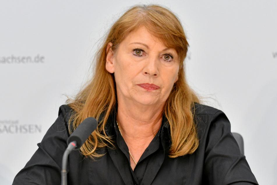 Roter Sheriff: Sozialministerin Petra Köpping (61, SPD) droht ungehorsamen Bürgern mit drastischen Strafen.