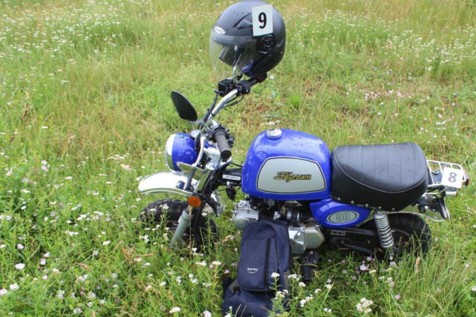 Ds auffällige Moped des Opfers wurde in einem parkähnlichen Bereich zwischen Kriftel uund Frankfurt-Sindlingen entdeckt.