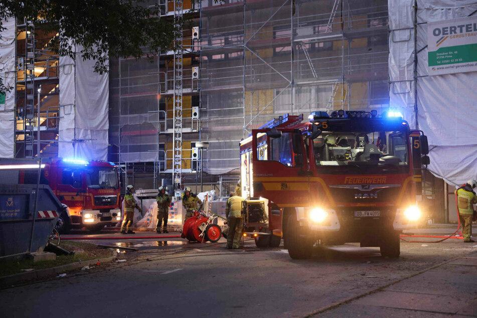Das Feuer wurde von den Einsatzkräften unter Kontrolle gebracht.