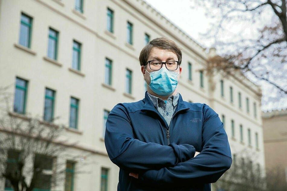Gesundheitsamt statt Staatskanzlei: Michael Wagner (38) hilft in Riesa bei der Kontaktnachverfolgung. Ein Schreibtischjob, aber keiner, den man so einfach wegsteckt.