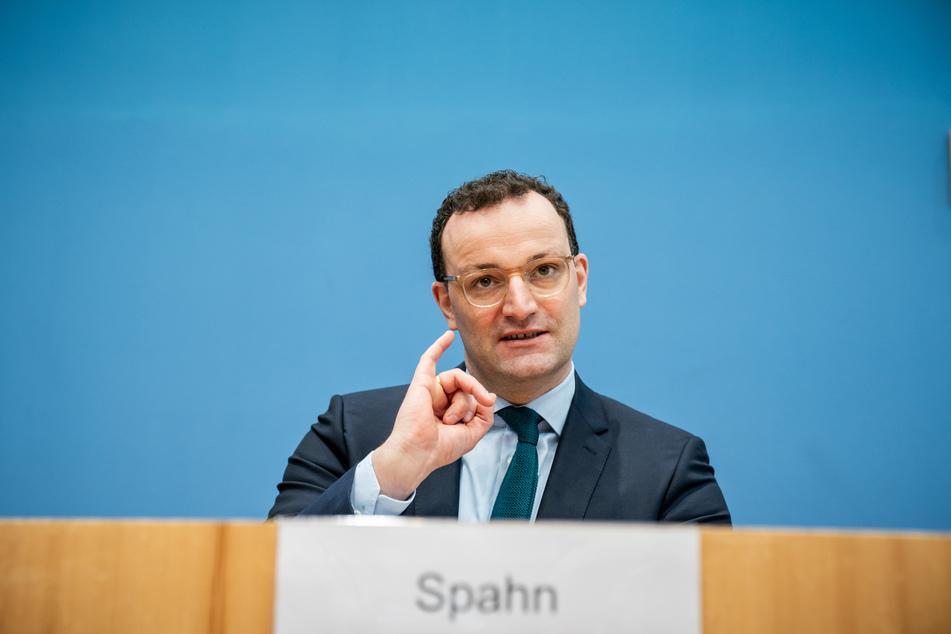 Jens Spahn (40, CDU), Bundesminister für Gesundheit, nimmt an einer Pressekonferenz zur aktuellen Lage um die Corona Pandemie teil.