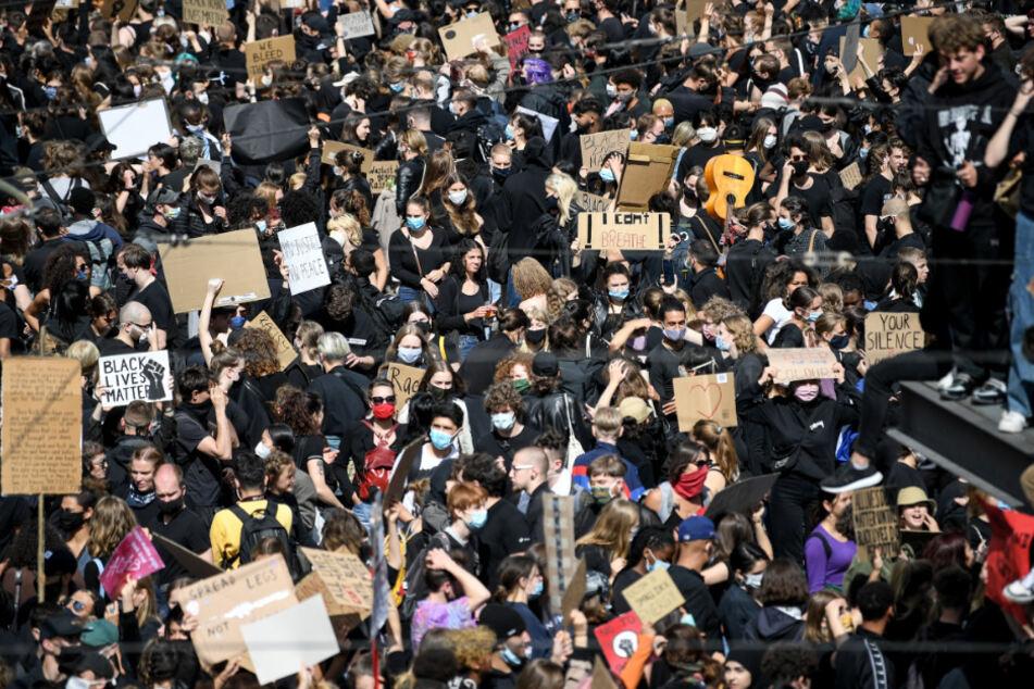 Platzt der Alexanderplatz wieder aus allen Nähten? Nächste Black Lives Matter-Demo angekündigt