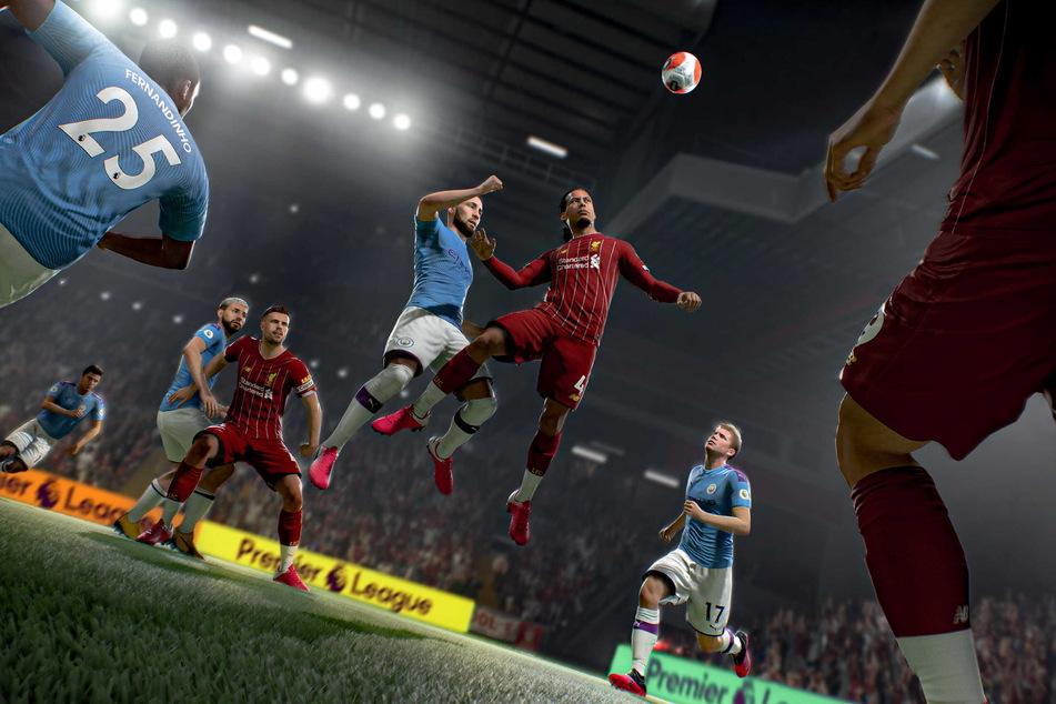 Liverpools Abwehr-Riese Virgil van Dijk schraubt sich zum Kopfball-Duell hoch und sollte das auch für sich entscheiden.