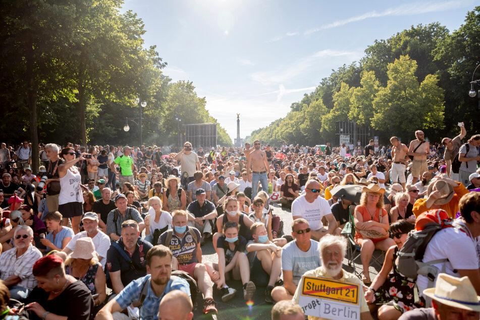 """Heute wieder """"Querdenken""""-Demo, aber mit deutlich weniger Teilnehmern"""