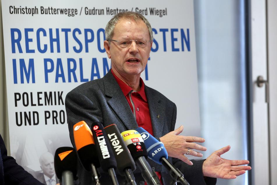 """Christoph Butterwegge kritisiert: """"Verglichen mit den Kaufprämien für teure Elektroautos der Premiumklasse handelt es sich um Almosen."""""""