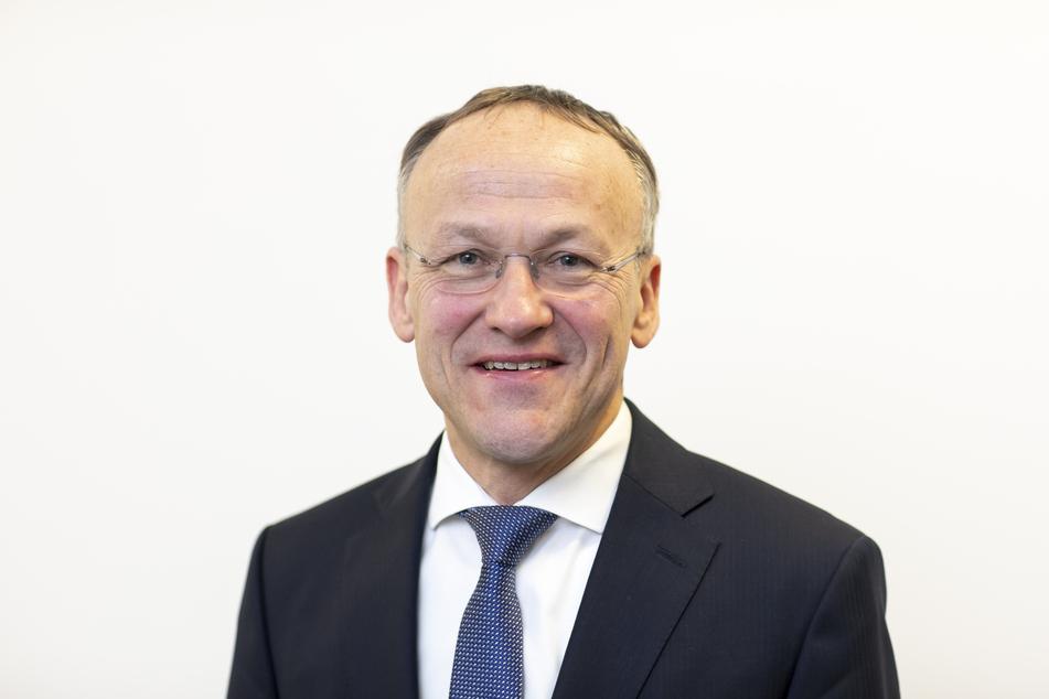 """Finanzbürgermeister Peter Lames (55, SPD) will eine """"Liste der Grausamkeiten"""" abarbeiten."""