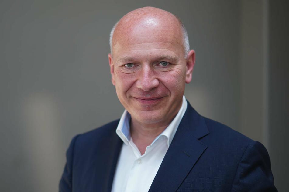 Berlins CDU-Spitzenkandidat Kai Wegner (48) ist der Meinung, dass die schlechten Umfragewerte der Bundes-CDU auch die Chancen bei der Abgeordnetenhauswahl schmälern.