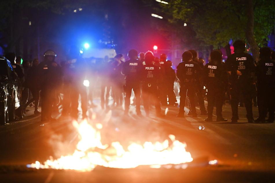 Berlin: Bundesregierung übt harsche Kritik an Mai-Krawallen in Berlin