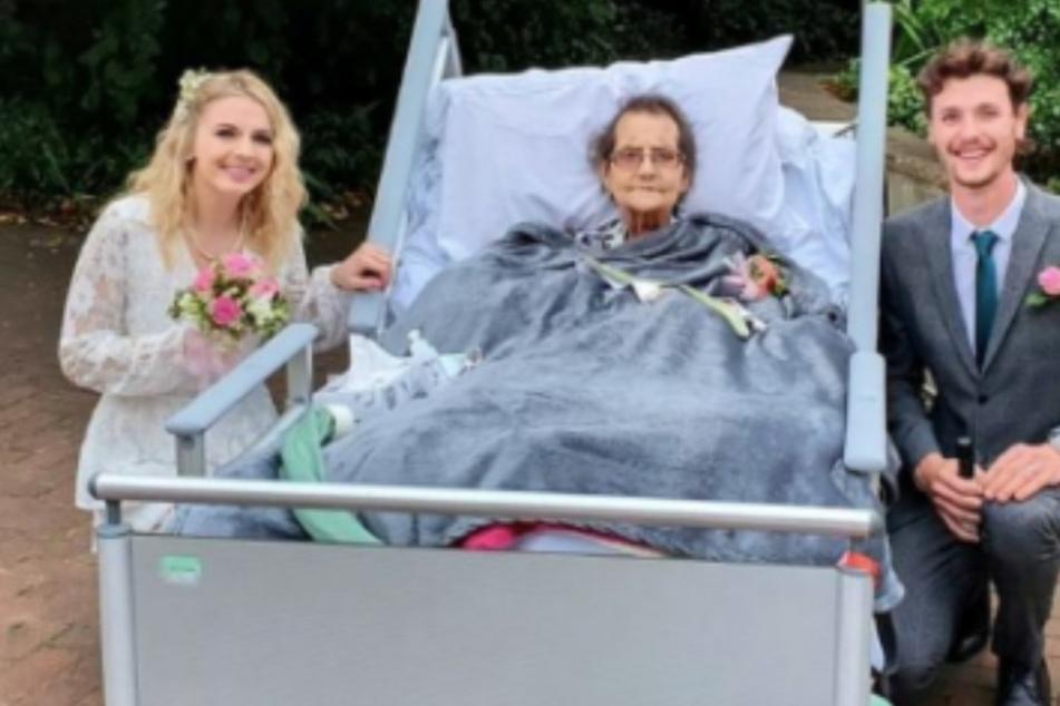 Damit seine todkranke Oma dabei sein konnte: Enkel verlegt Hochzeit ins Hospiz!