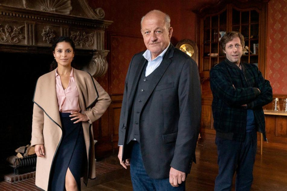 Die Neue: Dr. Tessa Tilker (Patricia Meeden, 34) neben Georg Wilsberg (Leonard Lansink, 64), Ekki Talkötter (Oliver Korittke, 52).