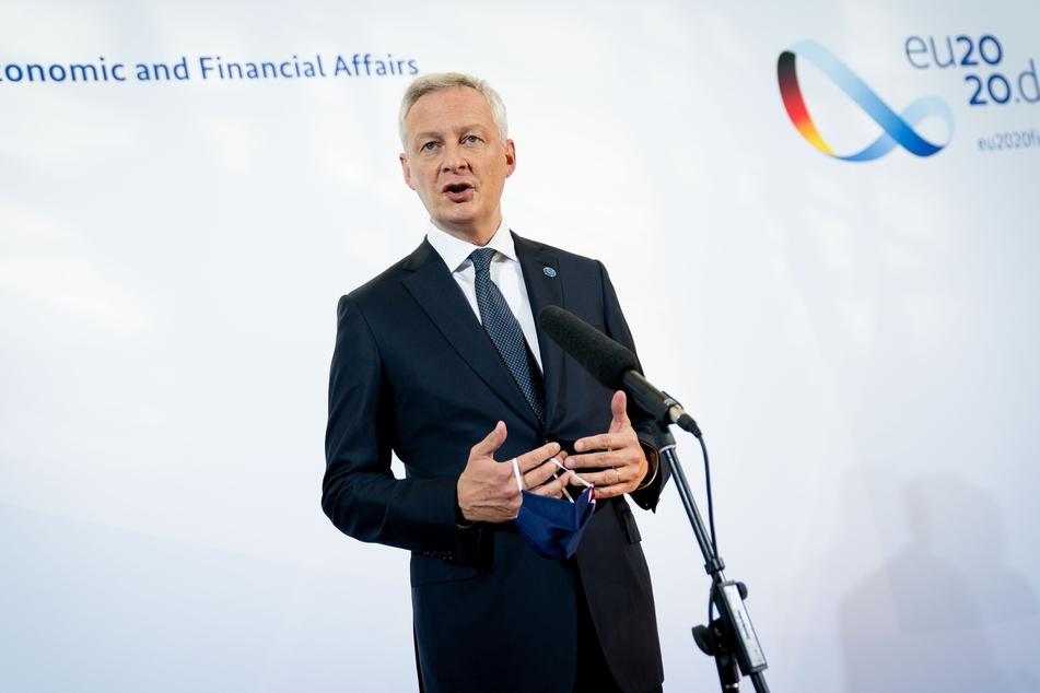 Bruno Le Maire, Frankreichs Minister für Wirtschaft und Finanzen, spricht zu Beginn des Treffens der Eurogruppe und dem Informellen Rat der EU-Wirtschafts- und Finanzminister zu den Medienvertretern.