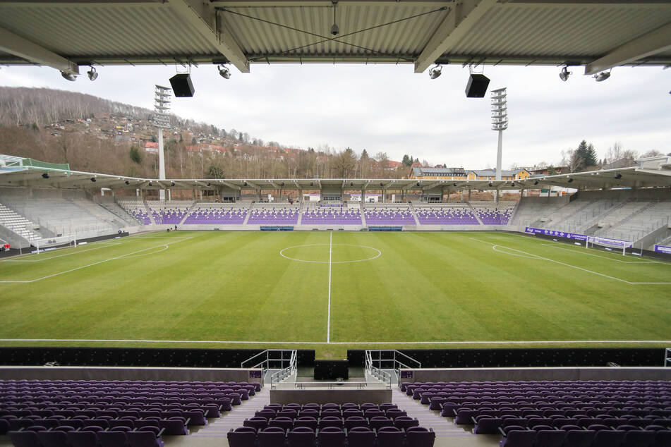 Das Erzgebirgsstadion, noch leer: Am 5. September feiert Sachsen hier seinen 30. Geburtstag mit 2000 Gästen.