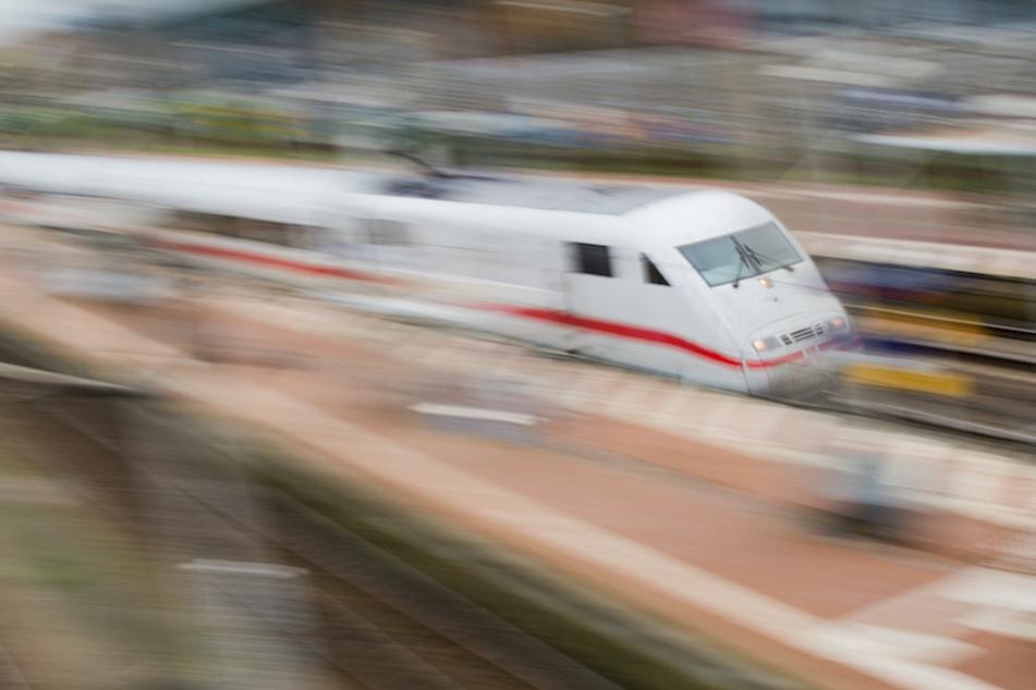 Pendler können nun auch ICE-Züge nutzen. (Archivbild)