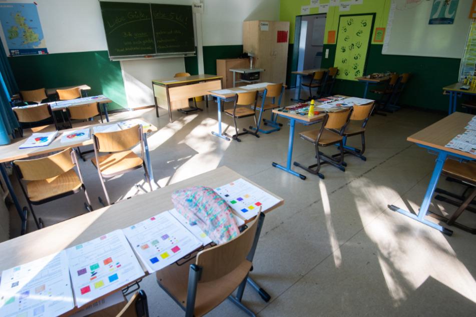 Immer mehr Schüler müssen wegen Corona-Infektionen und Verdachtsfällen zu Hause bleiben.