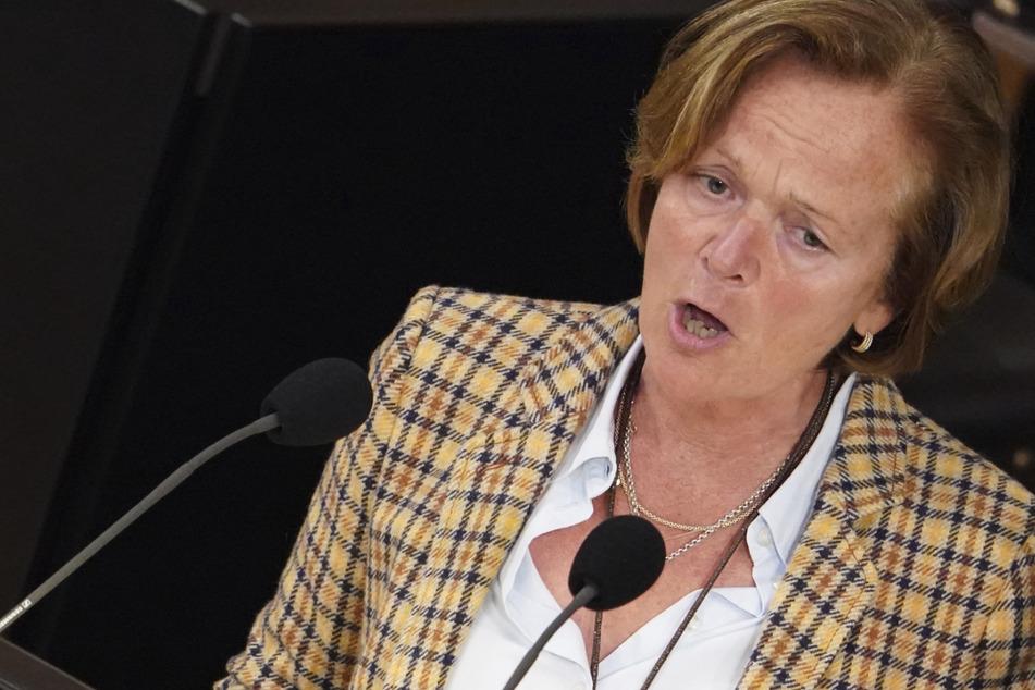 Anna von Treuenfels-Frowein (59), einzige FDP-Abgeordnete der Hamburgischen Bürgerschaft, will ein Ende der Maskenpflicht an Schulen.