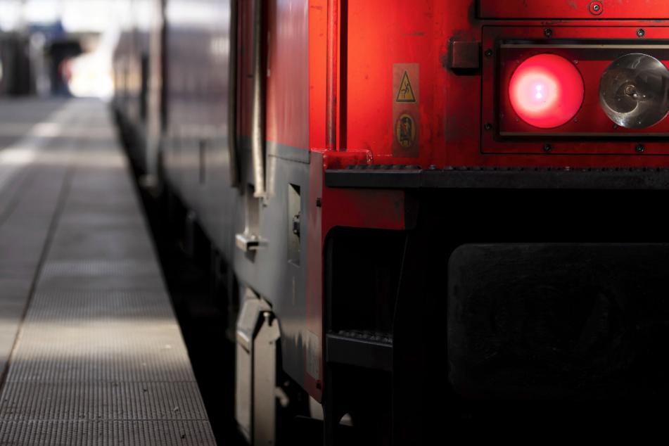 Feuer in Zug gelegt! Mutter und Sohn agieren blitzschnell und werden kreativ