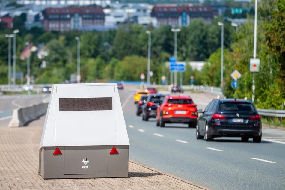 Der mobile Superblitzer an der Leipziger Straße: Die Stadt hat alle Bußgeldbescheide ausgesetzt.