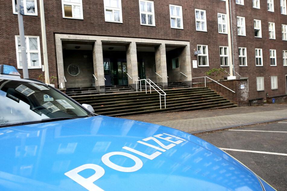 Rechte Umtriebe bei einem Polizei-Team in Mülheim/Ruhr sind nach einem Bericht des Innenministeriums offenbar einfach von den Vorgesetzten ignoriert worden.