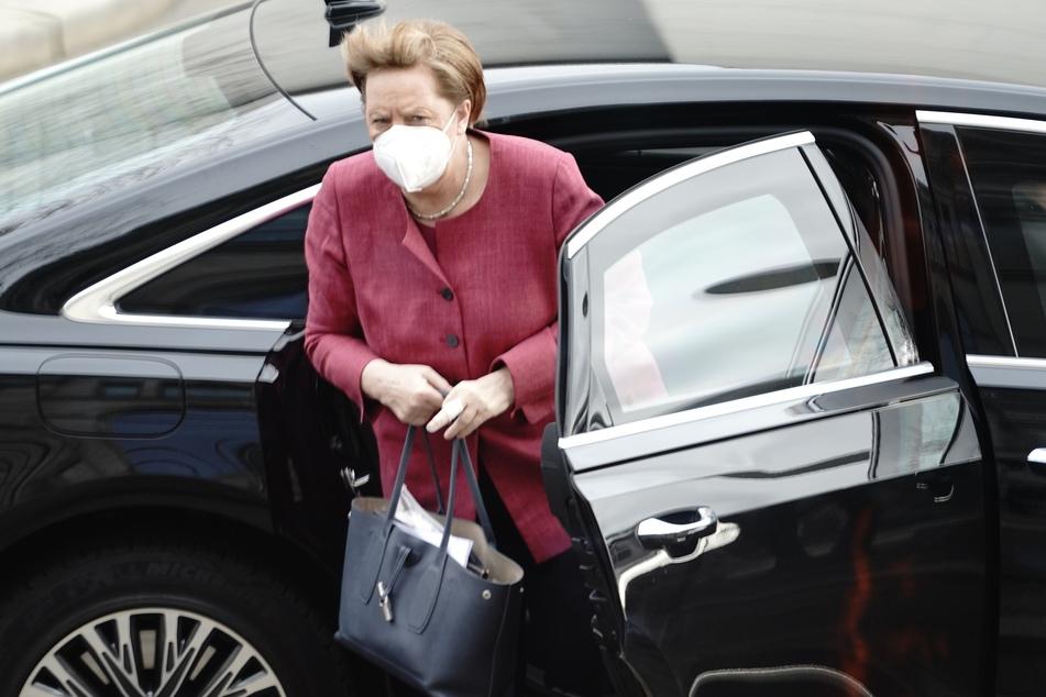 Die Notbremse von Kanzlerin Angela Merkel (66, CDU) soll kommen. Nach einer heftigen Debatte im Bundestag wurden einige Details überarbeitet.