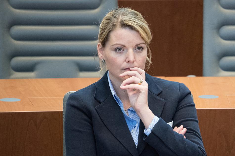 Die CDU-Fraktionssprecherin für Kinderschutz, Christina Schulze Föcking (44), erhielt von Fahndern des Landeskriminalamts heftige Einblicke ins Darknet. (Archivfoto)