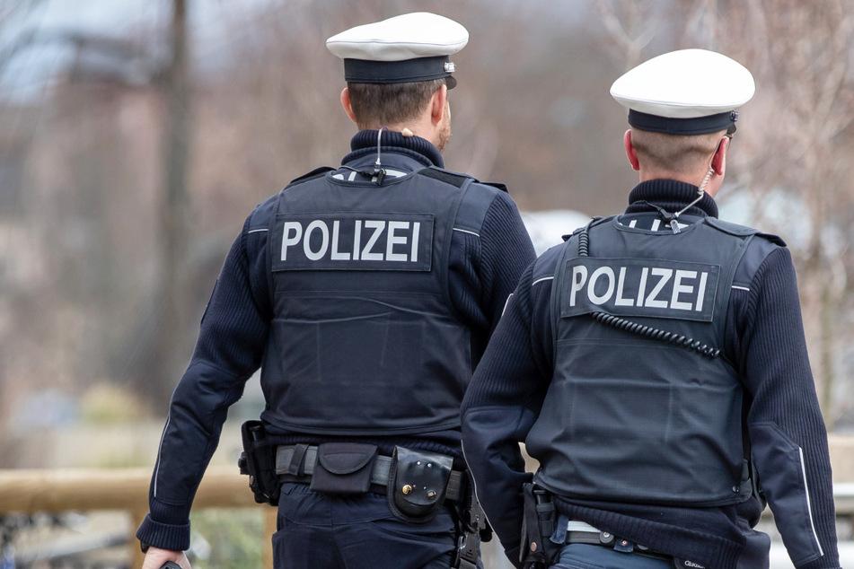 Im Jahr 2020 gab es im Freistaat Bayern erneut einen traurigen Rekord bei den Angriffen auf Polizistinnen und Polizisten. (Symbolbild)