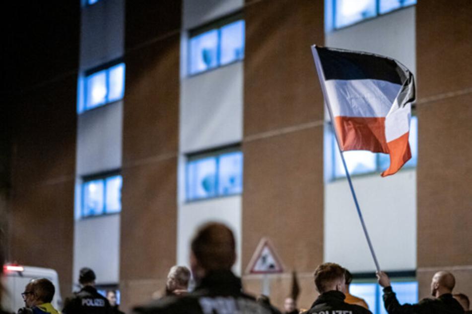 Hauptanlass für den Gesetzesentwurf sind rechtsextreme Demos, die wöchentlich in Halle stattfinden. (Symbolbild)