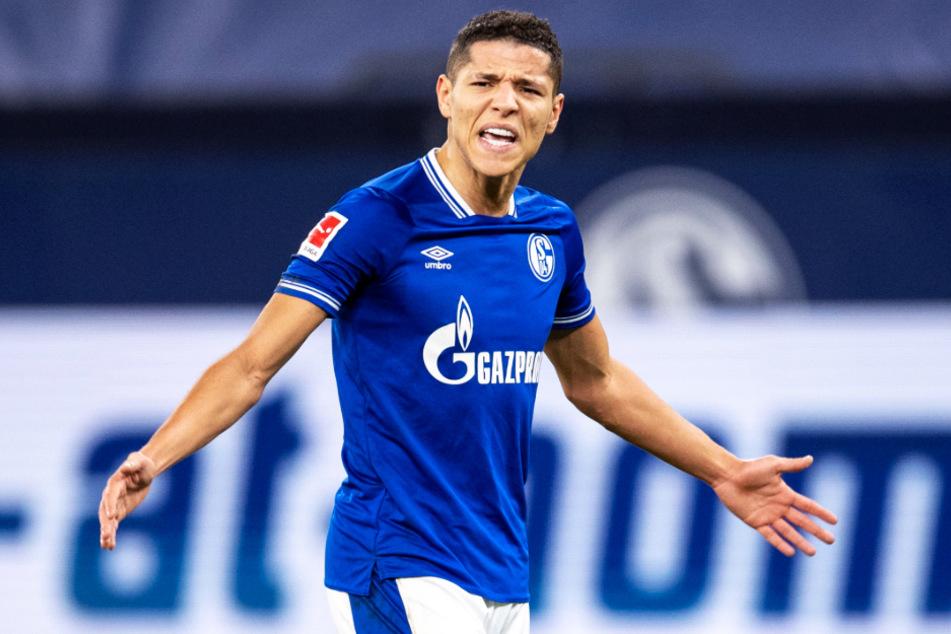 Amine Harit haderte mit den ausgelassenen Chancen der Schalker. Er und sein Team kassierten eine bittere Pleite.