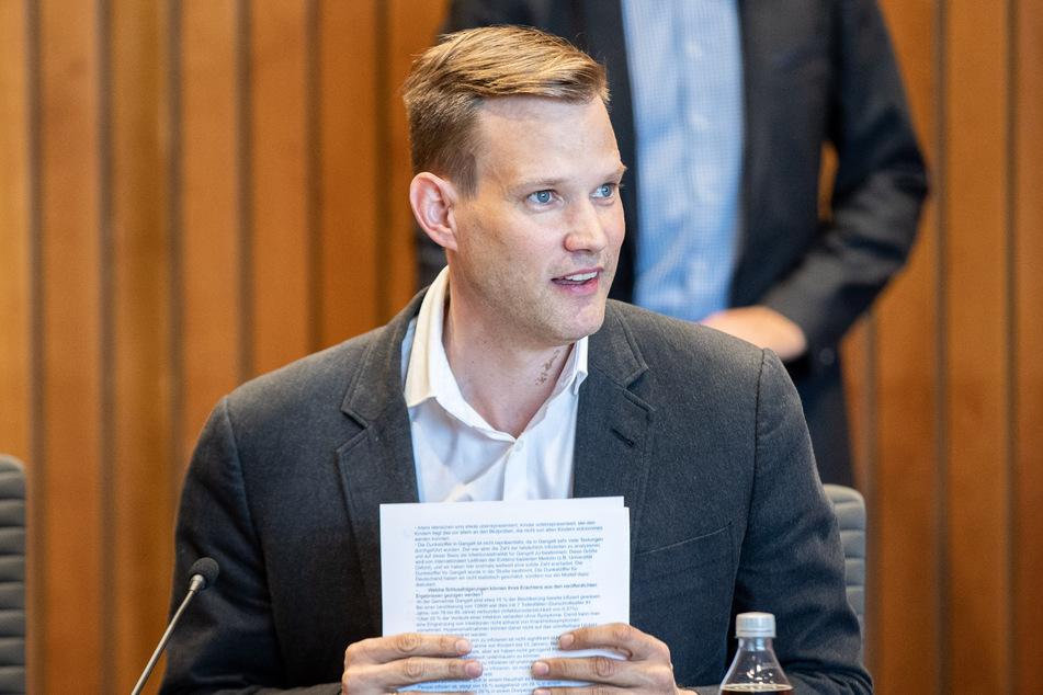 """Virologe Hendrik Streeck wehrt sich gegen """"Marketing""""-Vorwürfe"""