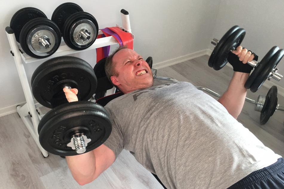 Neben der Lauferei wird auch fleißig mit Gewichten trainiert.