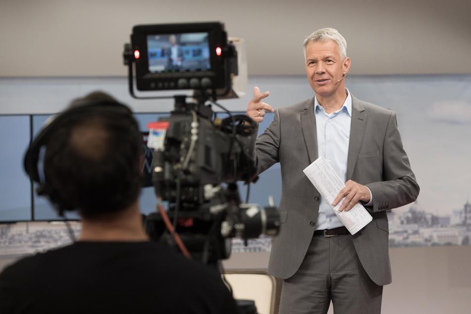 """Moderator Peter Kloeppel (61) steht seit 1992 für """"RTL Aktuell"""" vor der Kamera."""