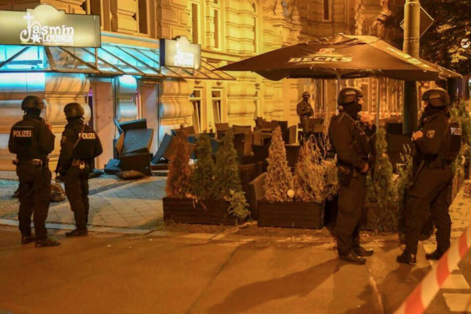 Nach Schießerei vor Shisha-Bar: Vier Männer vor Gericht