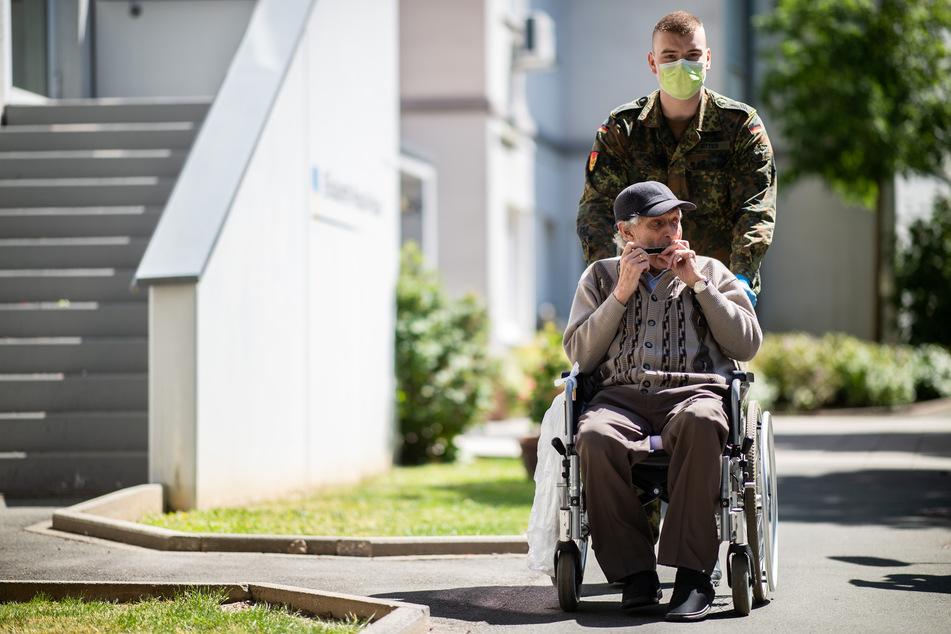 Corona-Lockerungen in NRW für Besucher in Pflegeheimen!