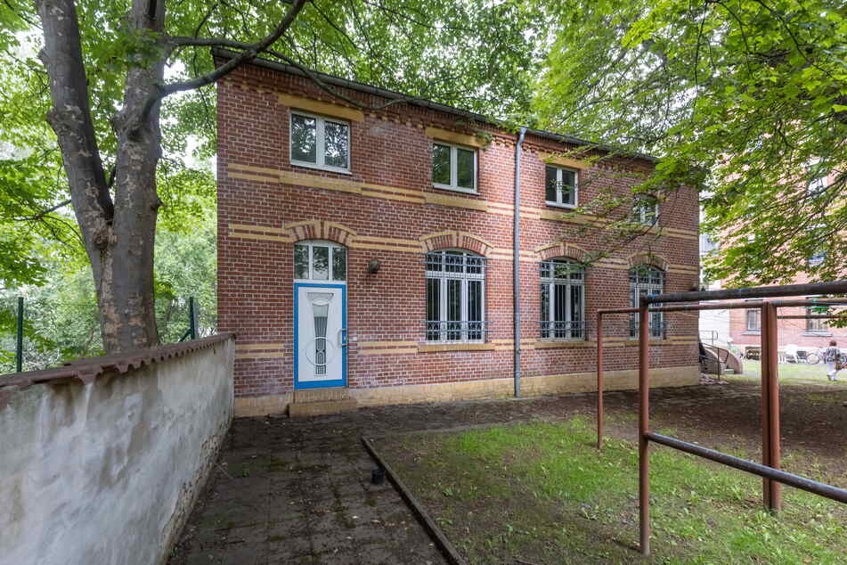 """In diesem Hinterhof-Gebäude auf dem Chemnitzer Sonnenberg liegt das """"Ofenmuseum"""" verborgen."""
