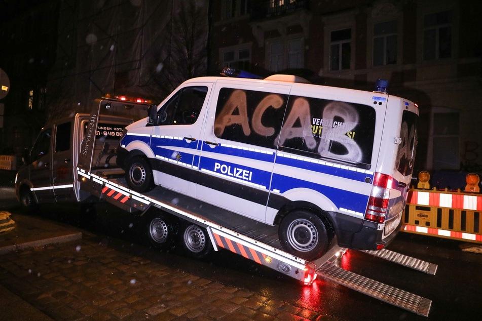 Ein Fahrzeug musste letztlich sogar abgeschleppt werden.