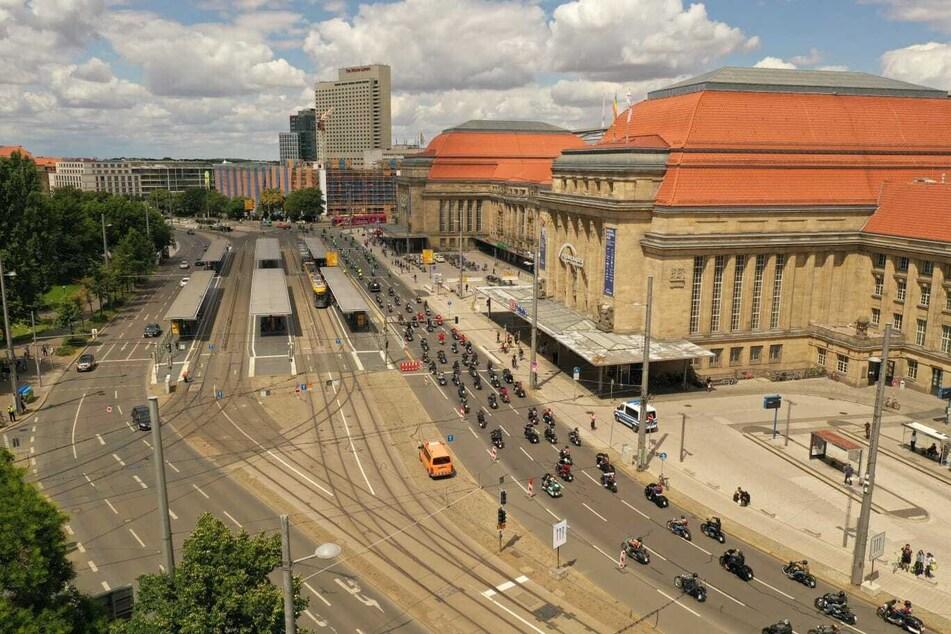 Über den Hauptbahnhof ging es weiter über den Innenstadtring bis zum Augustusplatz.