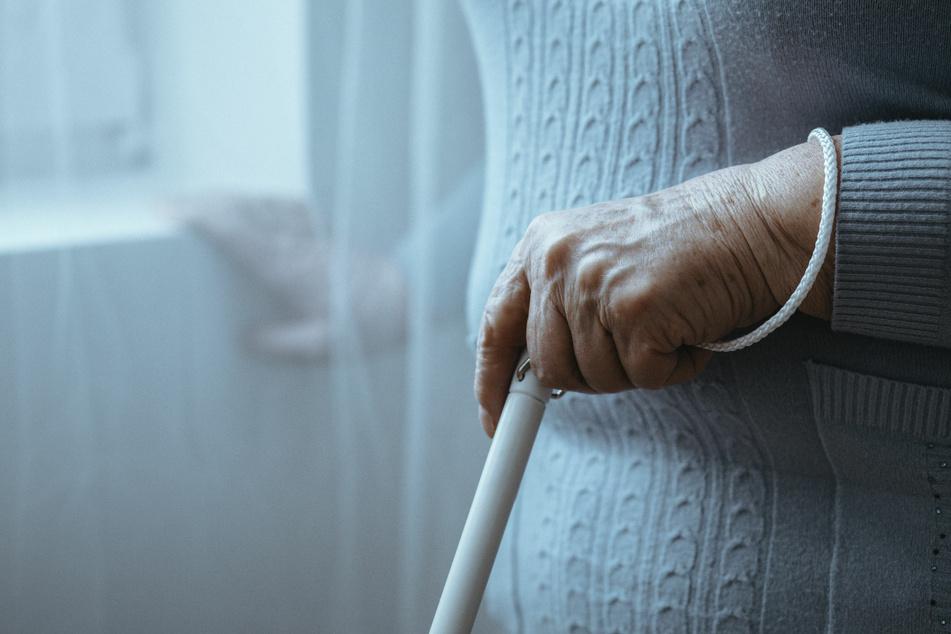 Die Dame gab an, blind zu sein (Symbolbild). Das war nicht ihre einzige Lüge.