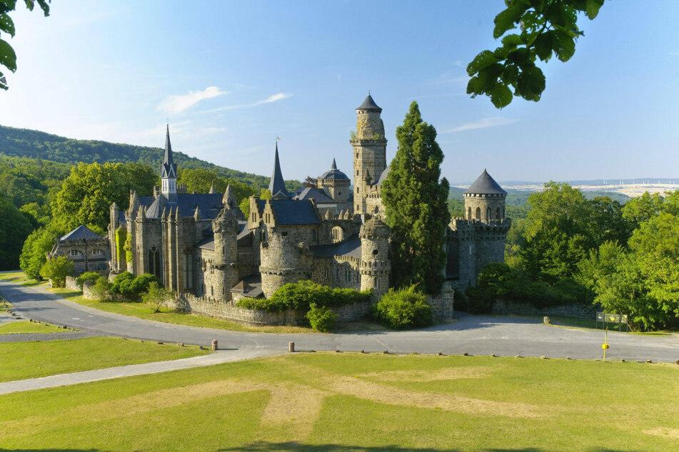 Die Löwenburg im Bergpark Wilhelmshöhe in Kassel stand schon des Öfteren für Filmarbeiten Pate.