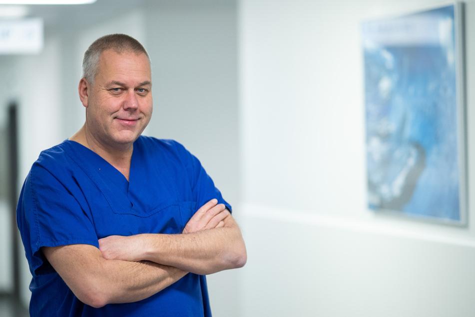 Götz Geldner, Ärztlicher Direktor der Klinik für Anästhesiologie, Intensivmedizin, Notfallmedizin und Schmerztherapie im Klinikum Ludwigsburg, steht im RKH Klinikum Ludwigsburg.