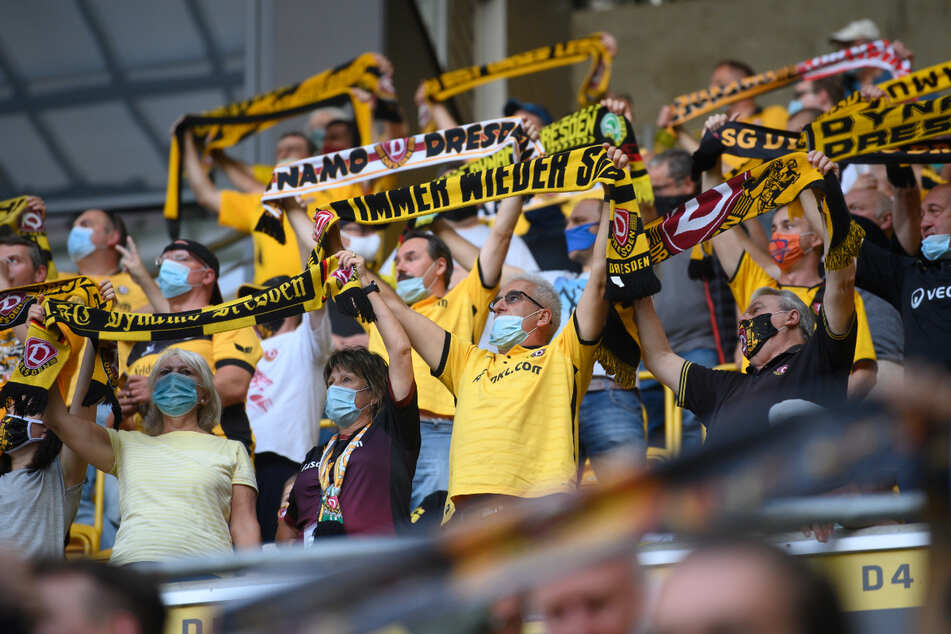 Eine stimmungsvolle Kulisse wie zuletzt gegen den HSV im vergangenen Sommer wird es im Rudolf-Harbig-Stadion am Sonnabend geben.