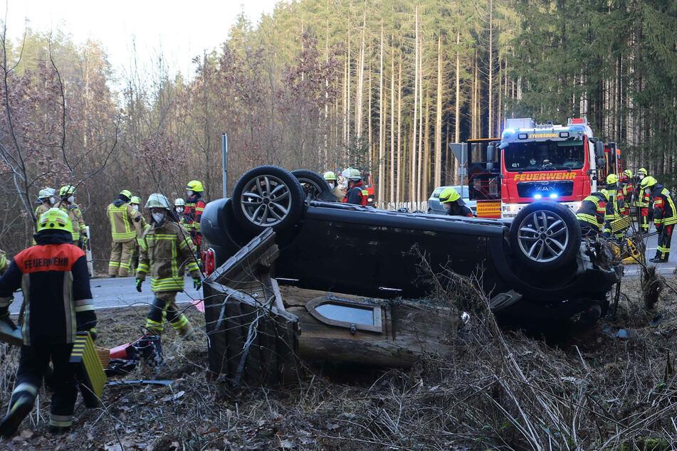 Tragisches Ende im Kreuzungsbereich: Person erliegt nach Unfall ihren Verletzungen