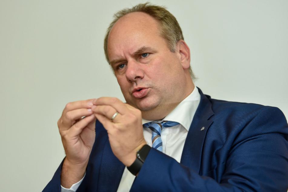 """""""Wir haben einen Plan B"""": OB Dirk Hilbert (49, FDP) im Interview mit TAG24."""