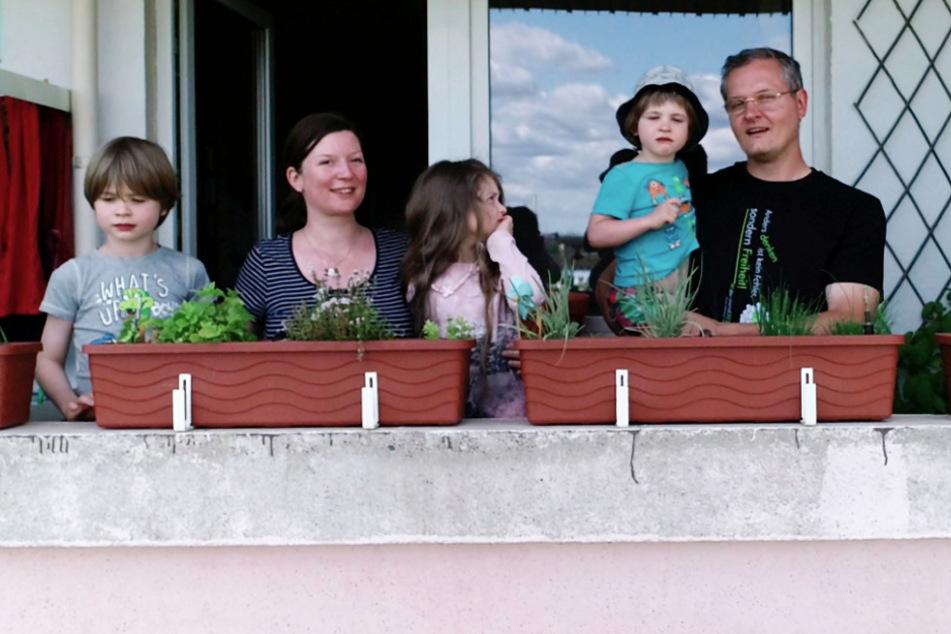 """Fünfköpfige Familie zieht in Plattenbau: """"Genau das, was wir wollten!"""""""