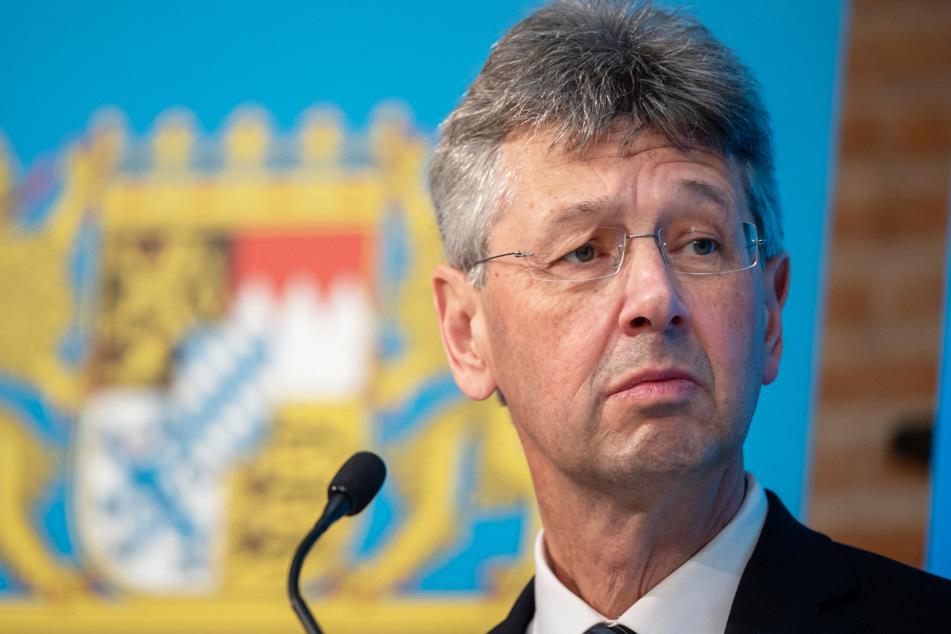 Für Kultusminister Michael Piazolo (61, Freie Wähler) hat der Gesundheitsschutz für die Lehrkräft im Freistaat Bayern höchste Priorität.