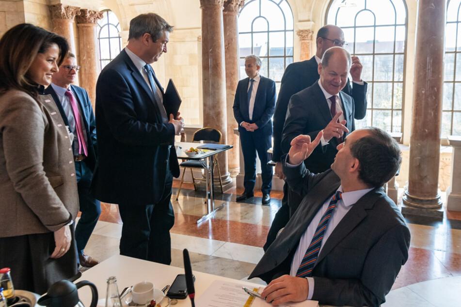 Das Kabinett beschloss einen Bayern-Schirm von 60 Milliarden Euro. (Archiv)