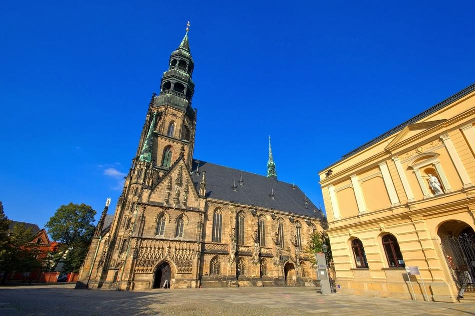 Bei einer Stadtführung könnt Ihr die sagenhafte Seite von Zwickau kennenlernen.