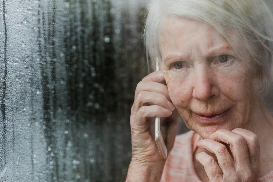 Leipzig: Alarm für Senioren! In der Corona-Pandemie werden sie noch häufiger von Betrügern heimgesucht!