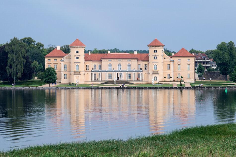 Das Schloss Rheinsberg kann ab Mittwoch wieder besucht werden - unter Einhaltung der Corona-Vorschriften.