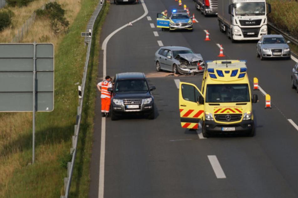 Unfall auf A4: Zwei Personen verletzt