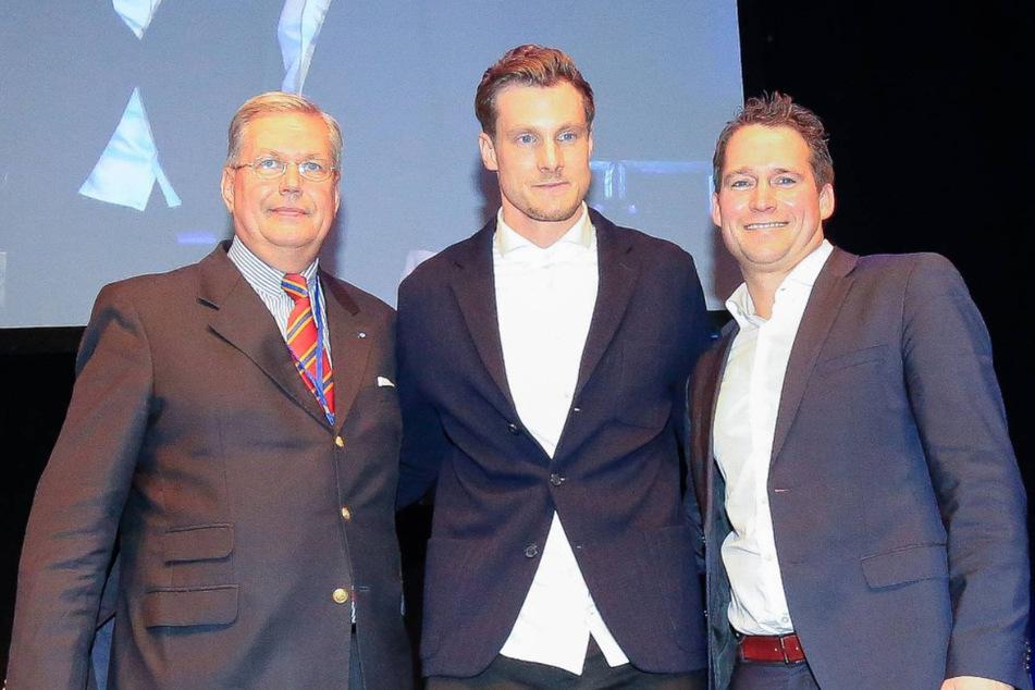 Der Machtkampf zwischen HSV-Präsident Marcell Jansen (M.), Vize Thomas Schulz (l.) und Schatzmeister Moritz Schaefer (r.) geht weiter. (Archivfoto)