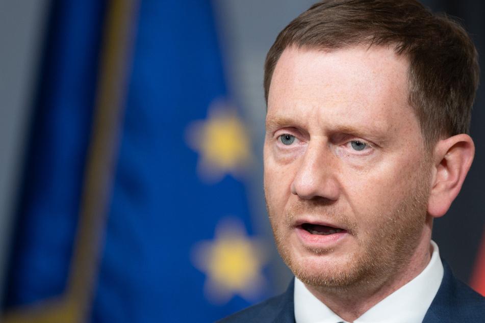 Sachsen-MP Kretschmer zieht Corona-Notbremse in Zweifel